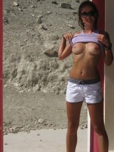 http://thumbnails114.imagebam.com/42176/86722d421758544.jpg