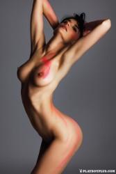 http://thumbnails114.imagebam.com/42229/ad9a92422289951.jpg
