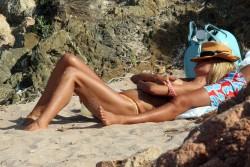 Topless Heidi Klum Nipple Seen pics