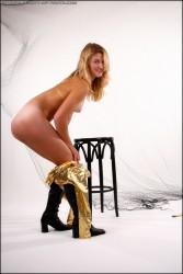 http://thumbnails114.imagebam.com/42916/b6ec04429158785.jpg