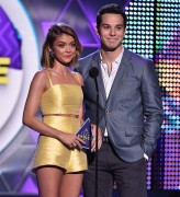 """Sarah Hyland """"Teen Choice Awards 2015 at the USC Galen Center in Los Angeles"""" (16.08.2015) 36x updatet x2 26c1f6429568353"""