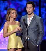 """Sarah Hyland """"Teen Choice Awards 2015 at the USC Galen Center in Los Angeles"""" (16.08.2015) 36x updatet x2 57ee2a429568431"""