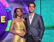 """Sarah Hyland """"Teen Choice Awards 2015 at the USC Galen Center in Los Angeles"""" (16.08.2015) 36x updatet x2 Fb980f429568450"""