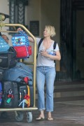Jenna Elfman leave her hotel in Hawaii after enjoying a fun vacation August 27-2015 x7
