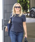 Reese Witherspoon Booty in jeans arriving at her office in Santa Monica September 02-2015 x21