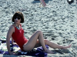 Dana Delany: 3 China Beach Caps/Stills: