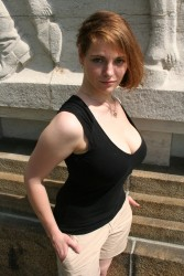 curvy berlin nude