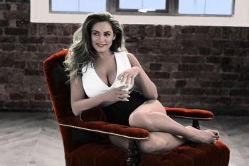Kelly Brook - Nice colored Picture - x 1