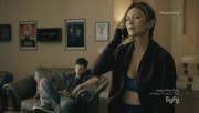 Nia Peeples - Lavalantula (2015) (sports bra/cleavage) 720p