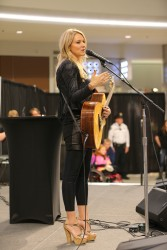 Jewel Kilcher -  Mall of America in Bloomington - 10/05/15