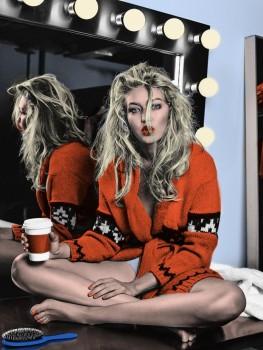 Gigi Hadid - Wonderful Colored Picture - x 1