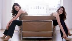 Anne Hathaway, Halle Berry, Kaley Cuoco, Kristen Stewart, Melissa Rauch, Rihanna, Sylvie Meis (Wallpaper) x7