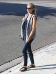 Amy Smart seen out in Los Angeles - October 22-2015 x10