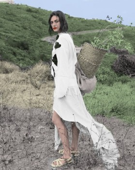 Phoebe Tonkin - Wonderful B/W Picture Colored by me - x 1