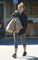 Miley Cyrus - Shopping at Whole Foods in LA 11/5/15