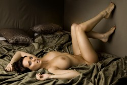 http://thumbnails114.imagebam.com/44566/e53025445658846.jpg