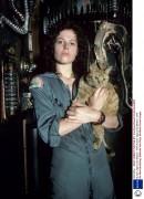 Чужой / Alien (Сигурни Уивер, 1979)  503faa446114121