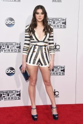 Hailee Steinfeld - 2015 American Music Awards in LA 11/22/15