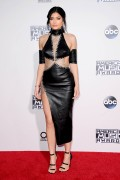 """Kendall Jenner and Kylie Jenner """"The 2015 American Music Awards - Arrivals held at Microsoft Theatre """" Los Angeles, CA 22.11.2015 (x185) Updated 2 9ed256448906775"""