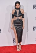 """Kendall Jenner and Kylie Jenner """"The 2015 American Music Awards - Arrivals held at Microsoft Theatre """" Los Angeles, CA 22.11.2015 (x185) Updated 2 Afa3b1448906624"""
