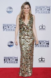 Alicia Silverstone - Alicia Silverstone attends the 2015 American Music Awards at Microsoft Theater in Los Angeles - November 22, 2015 (15xHQ) 4d1b60449002481