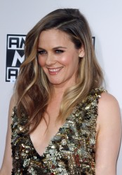 Alicia Silverstone - Alicia Silverstone attends the 2015 American Music Awards at Microsoft Theater in Los Angeles - November 22, 2015 (15xHQ) Cea4d0449002696