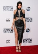 """Kendall Jenner and Kylie Jenner """"The 2015 American Music Awards - Arrivals held at Microsoft Theatre """" Los Angeles, CA 22.11.2015 (x185) Updated 2 01f7db449215234"""