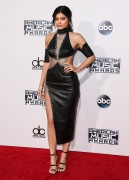"""Kendall Jenner and Kylie Jenner """"The 2015 American Music Awards - Arrivals held at Microsoft Theatre """" Los Angeles, CA 22.11.2015 (x185) Updated 2 0a0174449216042"""