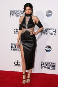 """Kendall Jenner and Kylie Jenner """"The 2015 American Music Awards - Arrivals held at Microsoft Theatre """" Los Angeles, CA 22.11.2015 (x185) Updated 2 1148e4449216203"""