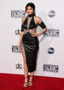 """Kendall Jenner and Kylie Jenner """"The 2015 American Music Awards - Arrivals held at Microsoft Theatre """" Los Angeles, CA 22.11.2015 (x185) Updated 2 13dacf449215980"""