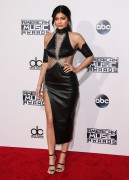 """Kendall Jenner and Kylie Jenner """"The 2015 American Music Awards - Arrivals held at Microsoft Theatre """" Los Angeles, CA 22.11.2015 (x185) Updated 2 50839e449216290"""
