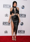 """Kendall Jenner and Kylie Jenner """"The 2015 American Music Awards - Arrivals held at Microsoft Theatre """" Los Angeles, CA 22.11.2015 (x185) Updated 2 85cf11449215354"""