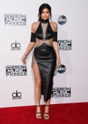 """Kendall Jenner and Kylie Jenner """"The 2015 American Music Awards - Arrivals held at Microsoft Theatre """" Los Angeles, CA 22.11.2015 (x185) Updated 2 Bc72e8449215312"""