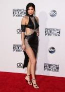 """Kendall Jenner and Kylie Jenner """"The 2015 American Music Awards - Arrivals held at Microsoft Theatre """" Los Angeles, CA 22.11.2015 (x185) Updated 2 F32795449216503"""