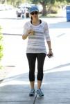 Jennifer Garner enjoying her coffee after gym in Los Angeles November 25-2015 x22