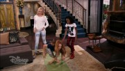 """Peyton Roi List Looking Shiny in the Opening Scene of an Episode of """"Jessie"""""""