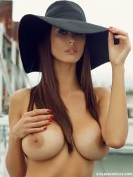http://thumbnails114.imagebam.com/45032/06cd4c450319252.jpg