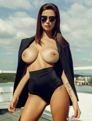 http://thumbnails114.imagebam.com/45032/0e9416450319176.jpg