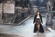 "Bella Hadid & Other ""Chanel's New Métiers d'Art Show Paris-Rome collection at Cinecitta studios, Rome"" (01.12.2015) 13x  D5ee34450530810"