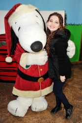 Sammi Hanratty - Knott's Merry Farm Countdown to Christmas & Tree Lighting 12/05/15