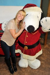 Jodie Sweetin - Knott's Merry Farm Countdown to Christmas & Tree Lighting 12/05/15
