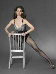 Alicia Minshew topless, Nackter Akt von pakifarbenen Frauen