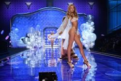 http://thumbnails114.imagebam.com/45420/b50502454194219.jpg