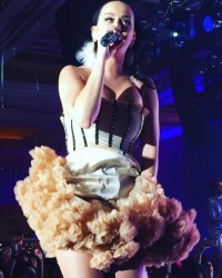 Katy Perry - Performing At A Private New Years Eve Show - Las Vegas - December 31 2015 *ADDS*