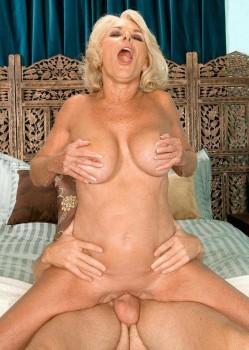 naked women actress vagina