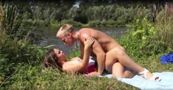 http://thumbnails114.imagebam.com/47289/de53a5472889194.jpg
