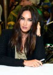 Megan Fox - Wonder Con 'Teenage Mutant Ninja Turtles 2' Signing in LA 3/25/16