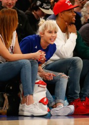Miley Cyrus - Cleveland Cavaliers v New York Knicks Game 3/26/16
