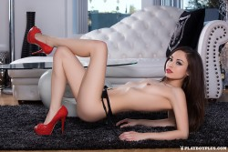 http://thumbnails114.imagebam.com/47645/84ea02476441856.jpg