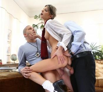 http://thumbnails114.imagebam.com/47647/c4d9eb476460400.jpg